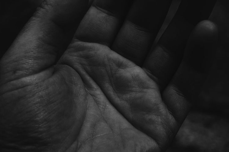 Workers EyeEm Best Shots EyeEmNewHere EyeEm Selects Life Lifestyles Time Timeless History Storytelling Story Dark Daylife Human Representation Essence Human Hand Backgrounds Wrinkled Close-up Crumpled Textured  Full Frame Human Limb Limb Human Arm Detail Rough Rugged LINE