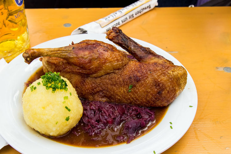 A day at Oktoberfest Ente Mit Knödel Und Blaukraut Oktoberfest Oktoberfest 2017 Wiesn Wiesn 2017 Close-up Food And Drink Fried Duck Ready-to-eat Roasted Table