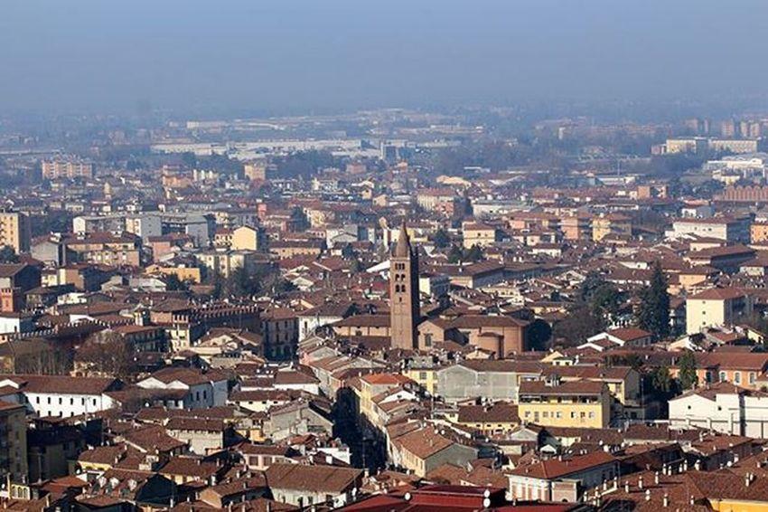 Cremona dal Torrazzo - Cremona from the bell tower Cremona Igerscremona Canon_official Eos650d Landscape 30dicembre2015 Campanile Torrazzo Sunnyday Ioamocremona Top_lombardia_photo Volgocremona