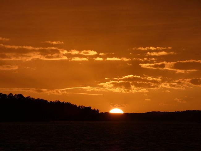 sunset tonight 🌅❤ Sunset Sunset_collection Auringonlasku Beauty In Nature Clouds Finland Sea Seascape Water Sunset Sun Orange Color Sky Landscape Ocean