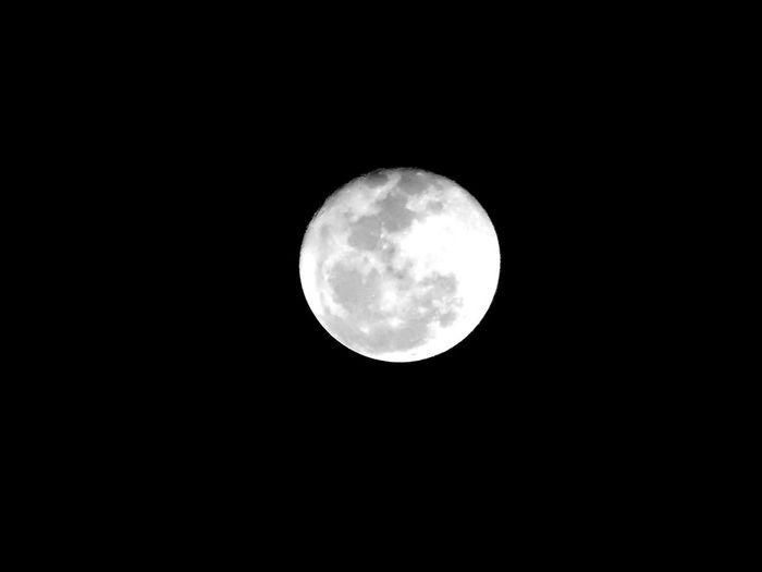 Goodnight Beautiful Moon  Full Moon Taking Photos bella luna...