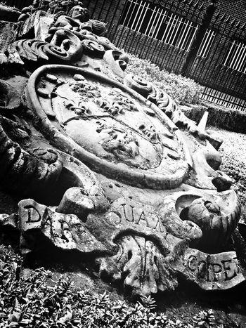 Amazingly beautiful carved stone structure London Bridge Quarter! Abandoned Statue London Eye4photography