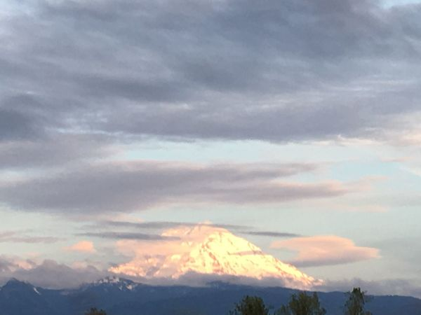 Scenics Cloud - Sky Beauty In Nature Mountain Nature Mt.RAINIER From Car Window Sky Tranquil Scene Majestic Outdoors Landscape Snow No People Day Mountain Range Cold Temperature Winter