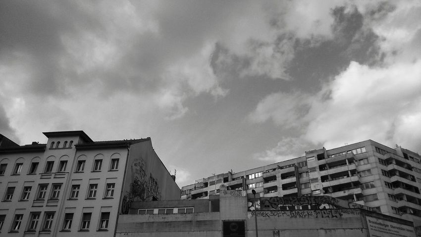 on our way to the eyeem party ! Architecture Architecture_bw EyeEm Hearts Kotti