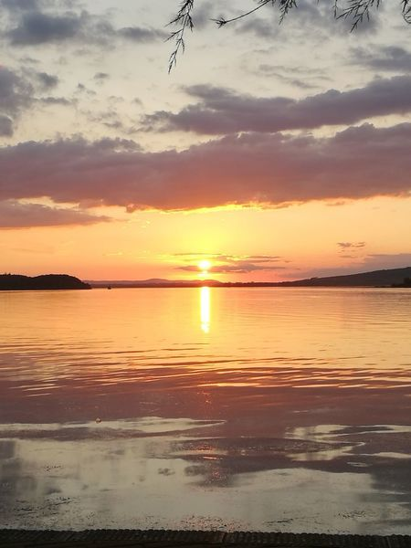 tramonto sul lago sunset Reflection beauty in Nature sun sea beach Dramatic sky first eyeem phot Tramonto Sul Lago Sunset Reflection Beauty In Nature Sun Sea Beach Dramatic Sky