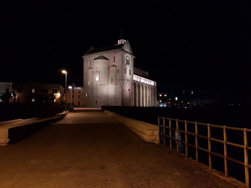 Trani Tranibynight S7flat Yellaspuglia Italy Italian_places Visititalia Apuglia Cattedrale Night Illuminated History No People Outdoors Architecture Politics And Government