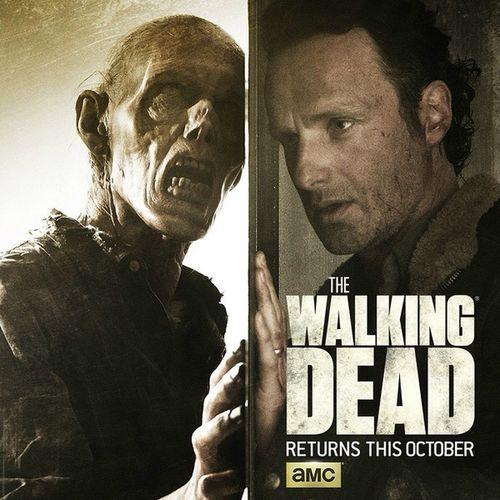 Come Back!The Walking Dead! 《行尸走肉》第六季将于10月11号正式回归,首集长达一个半小时。而《行尸之惧》(Fear The Walking Dead)第一季也将在前一周(10月4号)迎来大结局