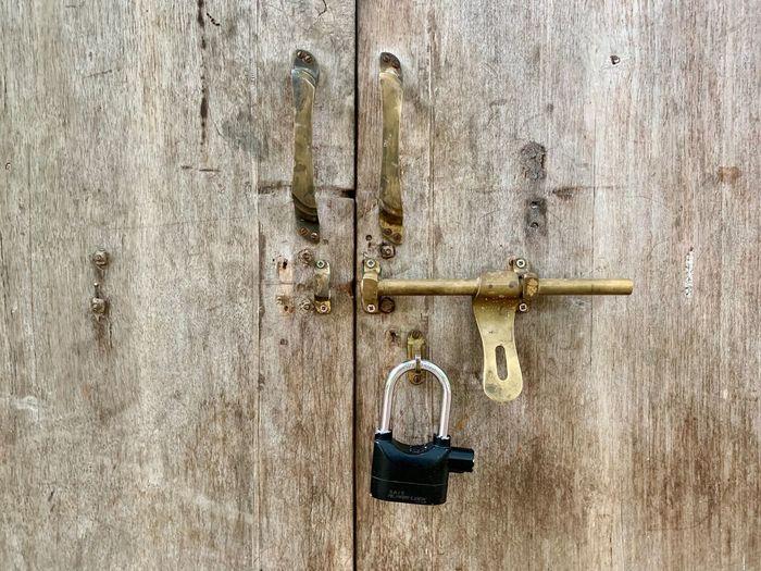 Unlocked wooden