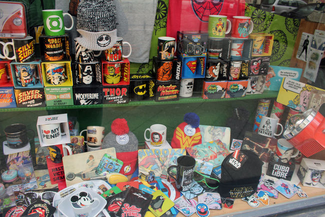 Berlin Berliner Ansichten Colorful Cups Everything In Its Place Schaufenster Store Window Tassen Comic ComicLover Things I Like