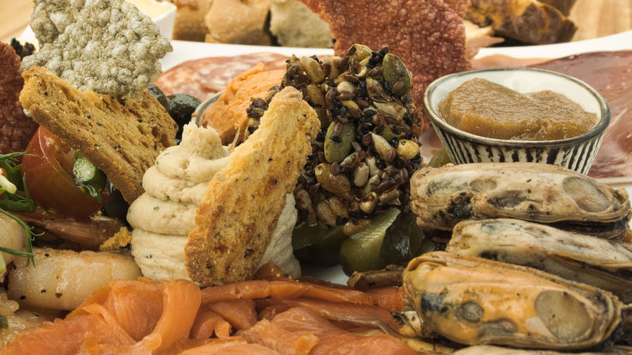 Sumptuous seafood platter EyEmNewHere Cuisine Mezze Bread Close-up Day Food Food And Drink Food Stories Freshness Healthy Eating Indoors  Mussels New Zealand Cuisine No People Plate Salmon - Seafood Seafood Platter