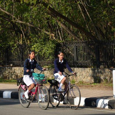 Children Schoolgirls India Chandigarh Streetsofindia StreetsOfChandigarh Powergirls TeachForIndia CyclingToSchool Friendship Instapic Tricity Itravel Iphotograph IExplore Revoshotsphotography Revoshots Rebel Revo HumansOfChandigarh