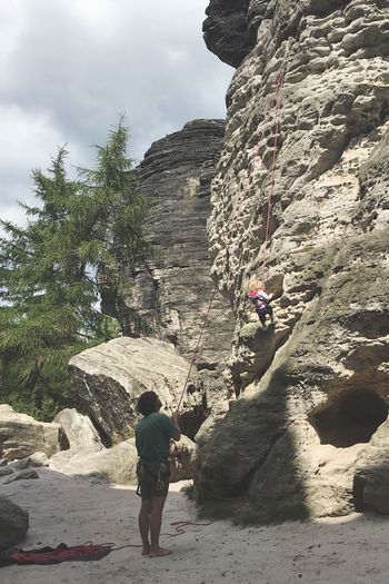 Climbing Father And Daughter Sandstone Rocks Nature Czech Republic Icandoit Daddy Daughter Time