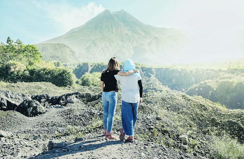 Friendship Mountain Two People Togetherness Nature Outdoors Friendship Sunlight Photo Of The Day Yogyakarta Culture Of Indonesia Photo Of The Week LightRoomEdit EyeEmNewHere Nature Landscape Beauty In Nature Landscapephotography Yogyakarta,indonesia The Great Outdoors - 2017 EyeEm Awards Nature Art