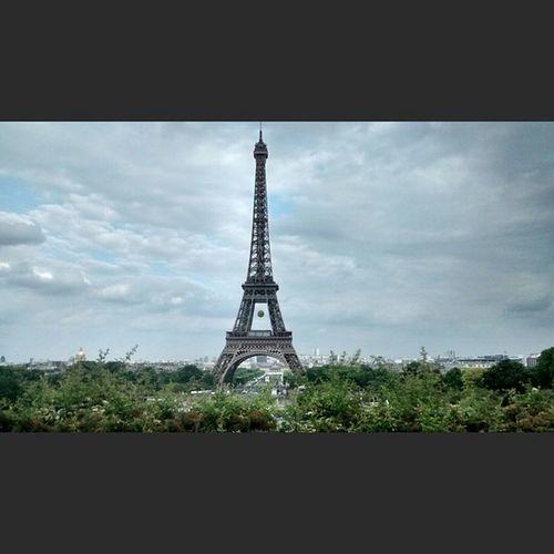 View from Trocadero Eiffeltower Nofilter Parisfrance