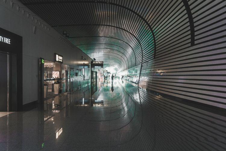 Indoors  Architecture Built Structure Illuminated Airport
