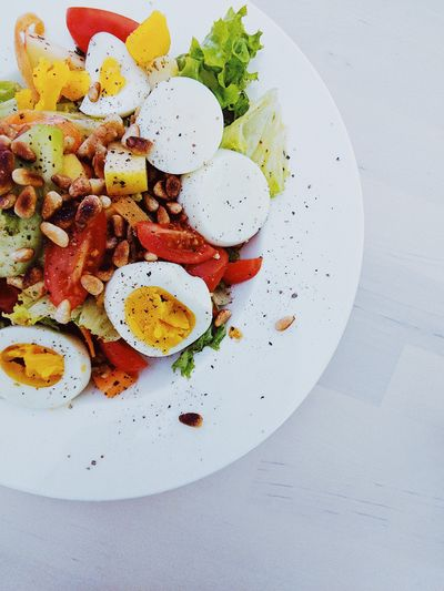 Close-up Day Egg Food Food And Drink Freshness Fried Egg Healthy Eating Indoors  No People Plate Ready-to-eat Salad
