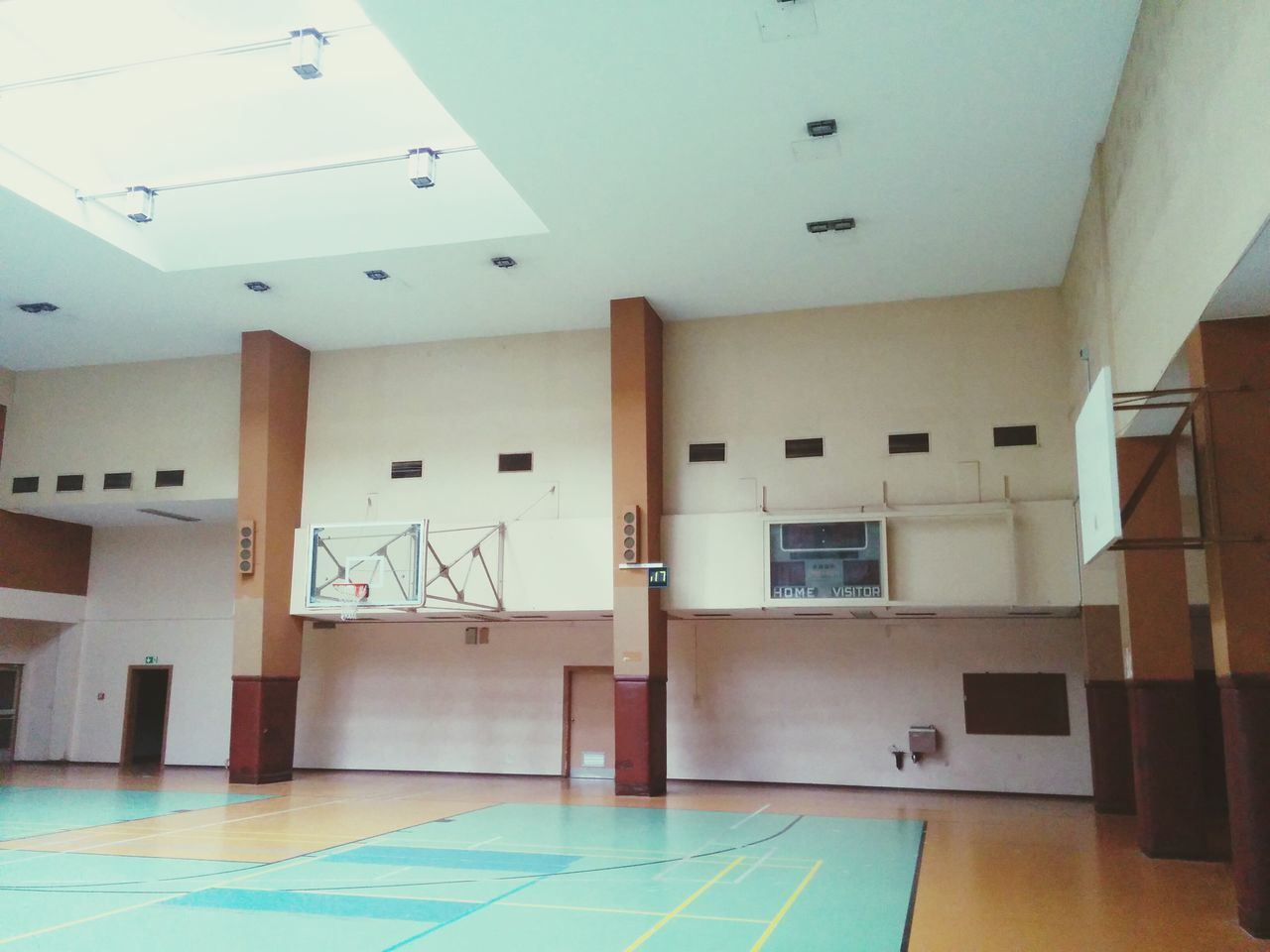indoors, architecture, no people, day