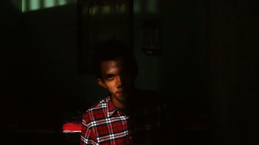 Half face in the room Darkness And Light That's Me Indonesia_photography Open Edit Banjarmasin People Of EyeEm EyeEm Indonesia