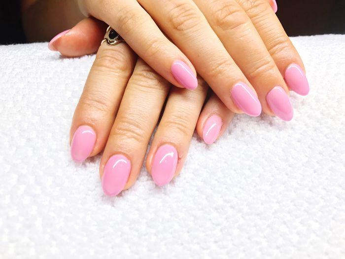 Rosé Almonds on fleek 🌸 Alessandro Nails ONFLEEK Beauty Manicure Nailart  Sleekyfive Almond Shape Nail Beautiful Vain Rosé Fullcover