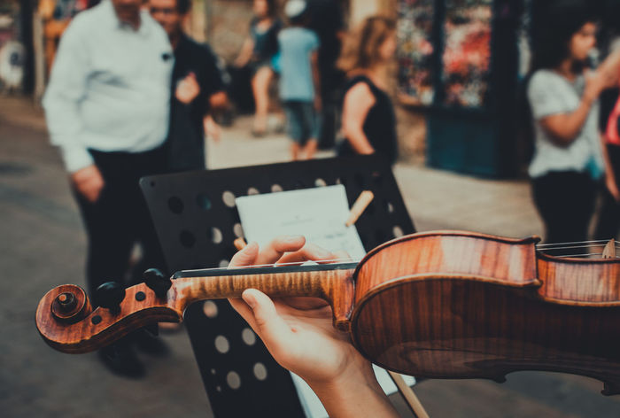 Adult Arts Culture And Entertainment EyeEm Team Music Music Musical Instrument Musical Notation Musician People Playing Street Photography Streetphotography TakeoverMusic Violin