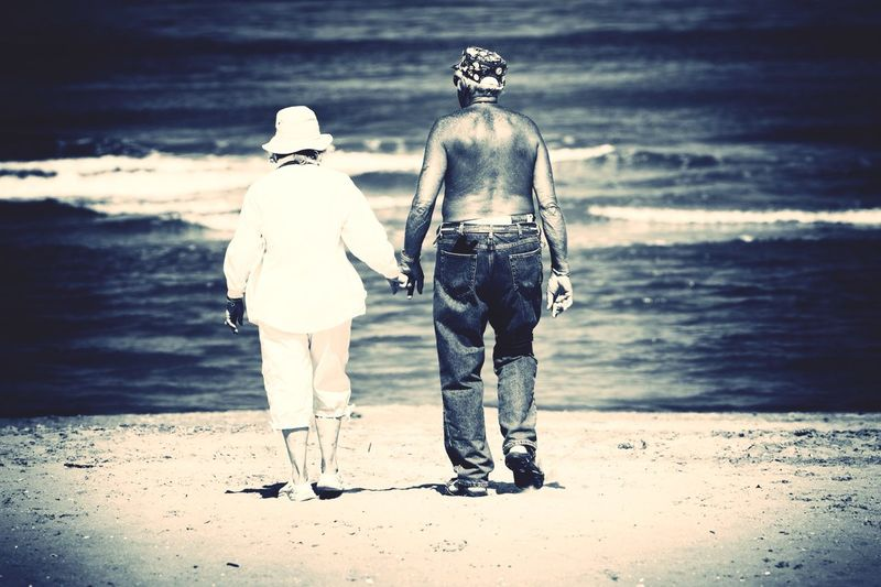 RePicture Ageing Couple Love Mature Elderly Beach Sea Hand In Hand