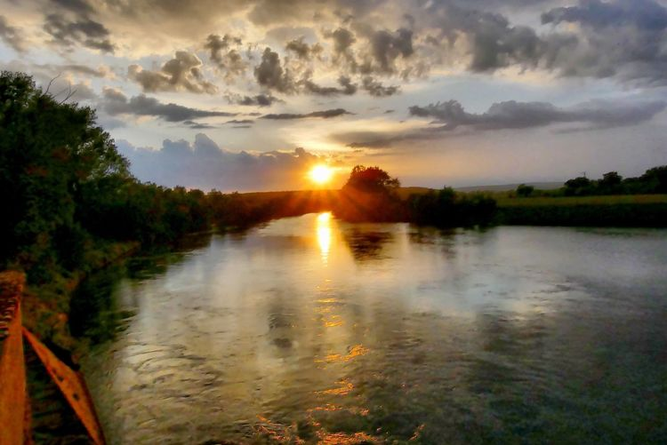 Sunset an Main in Knetzgau Sonnenuntergang River Main Sky Sunset Water Cloud - Sky Beauty In Nature Tranquility Scenics - Nature