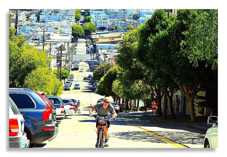 Portrait Of America San Francisco Sanfrancisco San Francisco Town San Francisco Slopingroad Trampbike Sloping Road Looking Tired Tired Bicycle Check This Out
