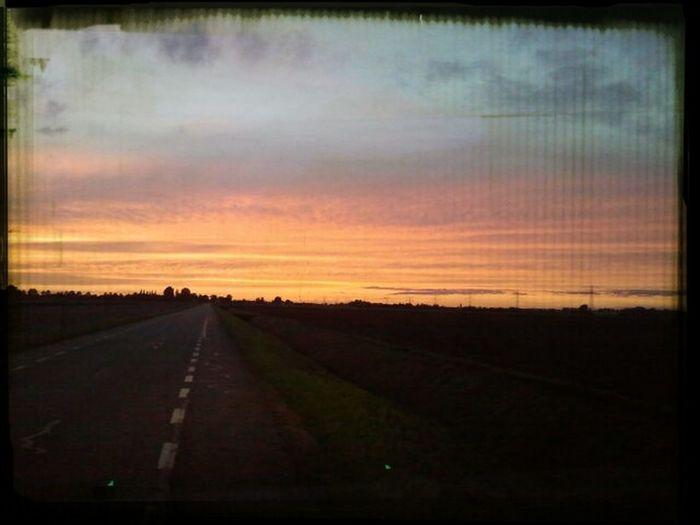 Ook in Klaaswaal gaat de zon onder Clouds And Sky