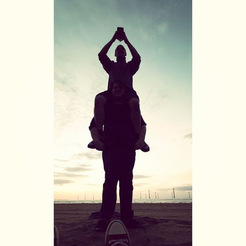 Humantotempole Totempole Beach Chilling Summerevening Silhouette Thesetwo @cazatron @blueberryswirlbakery