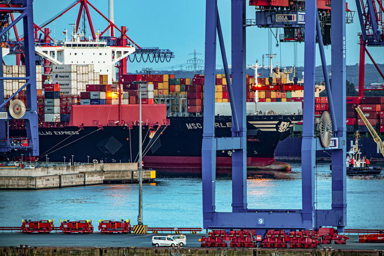 Freight Transportation Transportation Shipping  Water Cargo Container Commercial Dock Nautical Vessel Mode Of Transportation Pier Container Harbor Container Ship Business Ship Industry Crane - Construction Machinery Architecture Machinery Outdoors Shipyard Hamburg Harbour Elbe River