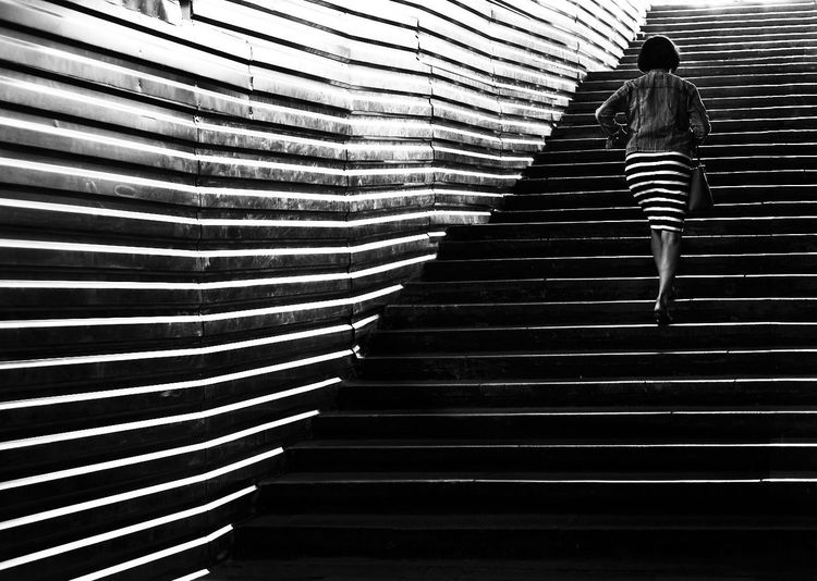 Black And White Friday Black & White Photography Streetphotography_bw Streetphotography Streetphoto_bw Street Photography Streetphoto Street Staircase