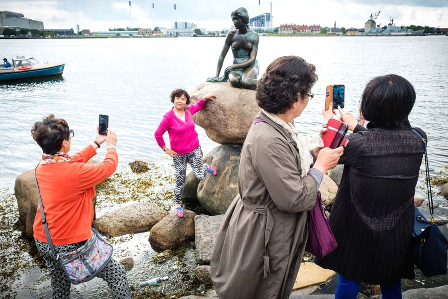 Snaps @ Copenhagen Denmark 2016 Street Showcase June Copenhagenstreetphotography Street Photography Fujifilm X70 Streettogs The Week On Eyem Streetphotography Denmark Snapshots Of Life Mermaids Mermaid