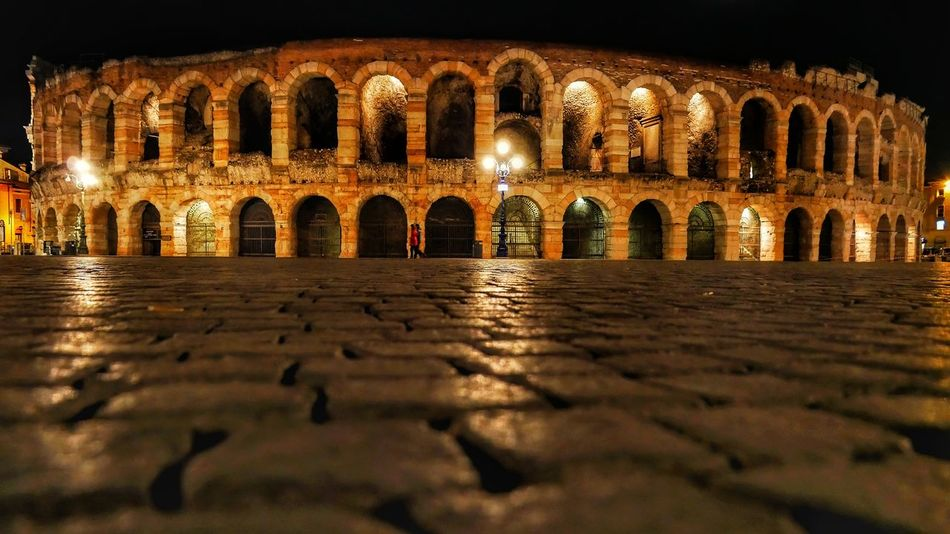 Arena di Verona Illuminated Outdoors No People Architecture Night PicturePerfect Picture Fotography Arenadiverona Arena Arena Di Verona, Italy Pictureoftheday Pic Picoftheday Fotografie Fotografia FotoDelDia Fotos Fotografo Follow Arch Backgrounds Sky Building Exterior LumixG80