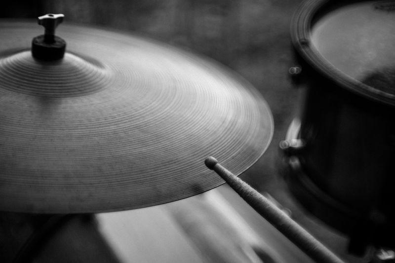 Close-up Music Percussion Instrument No People Musical Instrument Musical Equipment Arts Culture And Entertainment Cymbal Focus On Foreground Selective Focus Motion Indoors  Wood - Material Drum - Percussion Instrument Spinning Turntable Record High Angle View Geometric Shape Platillo Bateria