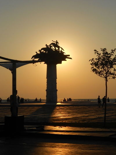 #people #sculpture #Shadow #Sunny Day Begans Anew #sunset #sun #clouds #skylovers #sky #nature #beautifulinnature #naturalbeauty #photography #landscape #TURKEY/İzmir-Alsanca #unique Sea Of İzmir