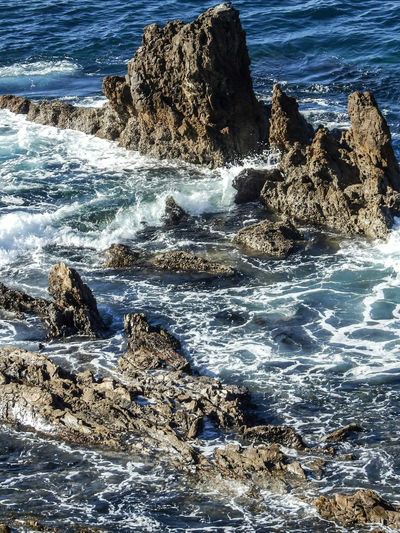 Rocks And Water Waves Crashing Waves And Rocks Corona Del Mar Beach Ocean Ocean Waves This Week On Eyeem The Great Outdoors With Adobe Coastal California Beaches Coastal Views Coastal Beauty Coastline Landscape Coastline The Great Outdoors - 2016 EyeEm Awards