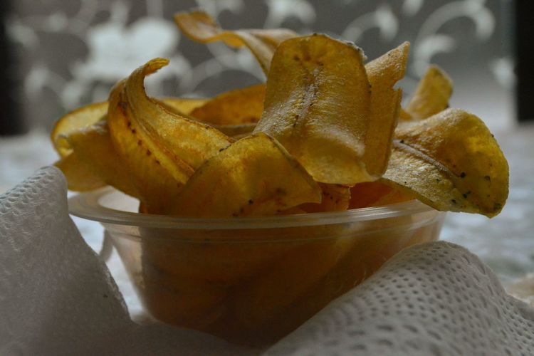 Fried banana chips , Cooking by me, Taking by me with Nikon d5200 f/9.0 1/60 38mm Iso3200 #Favorite  #fried Green Banana Chips Banana Chips #cooking By Me Snack Time! Banana Culinary Indonesia Taking By Me Culinary JajananIndonesia Close-up Food And Drink Tropical Fruit Banana Peel