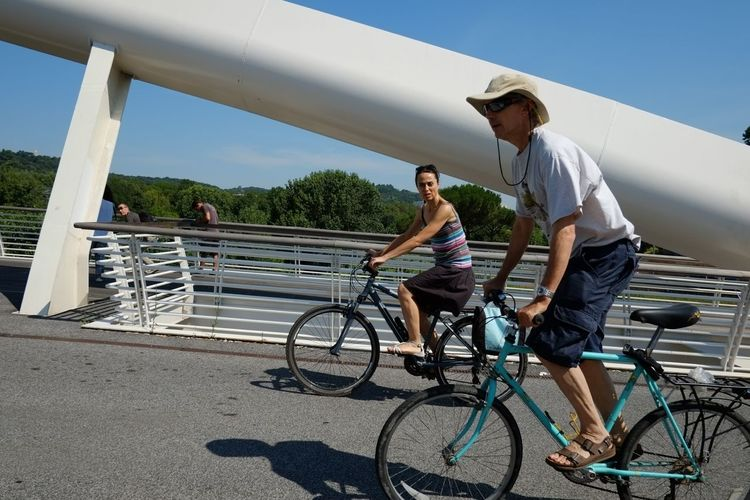 Walking On Your Bike Roma Streetphotography People Watching People Colors Fujifilm Xf18 Xpro1 Fuji Xpro1