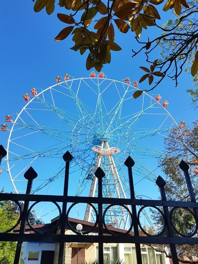 Ferris Wheel Ferriswheelinthecity🎡🎢 Caroussel No People Day Clear Sky Blue Sky Outdoors Close-up