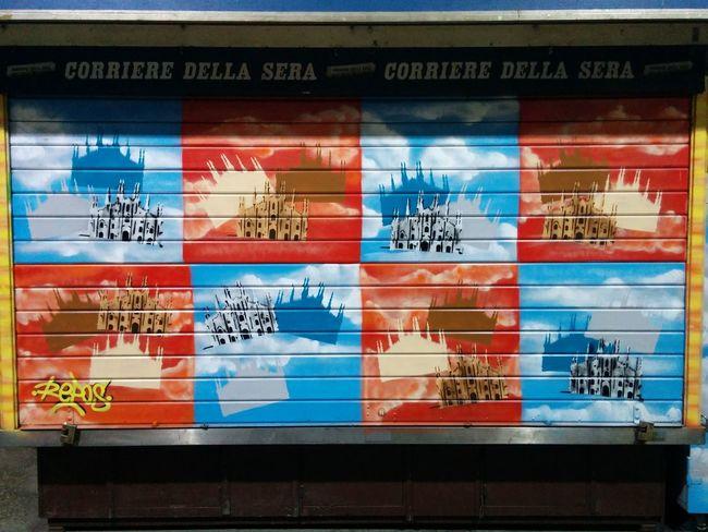 Nexus5photography Nexus5 Edicola Colours Colori Rosso Azzurro Duomo Di Milano Duomo