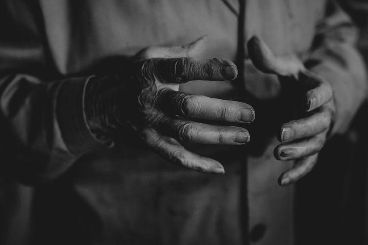 Hands Elder