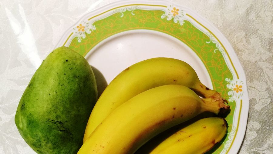 EyeEmNewHere French FoodfPhotography Themesoods Top View Shot Close-up Shot Daytime Photography Full Length High Angle View Banana And Mango Banana Fruit Mango Close-up Healthy Eating Green Light Friendship Winter Morning