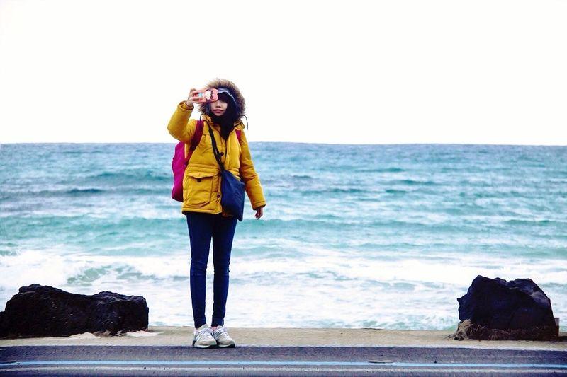 홀로 여행한다는 것. 일상에서 지치고 힘들때 가고 싶은곳으로 훌쩍 떠나서 자신만의 시간의 가지고 나를 돌아볼 수 있는 나만을 위한 휴식의 시간. // 제주 월정리 해변 // Enjoying Life Perfekt Day Holiday Walking Around