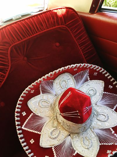 Lowriding Lavida Rojo Hello World