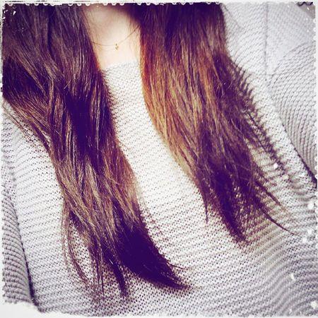髪の色を週末に変えました。 ハイライトとグラデーション 凄くきれいな色です。 お気に入りです。 暗い色から春らしく少しずつ明るい色です。 気づけば… 髪の毛も伸びました… ちゃんとトリートメント頑張ろう!!! 美容室:コースト(Coast) 優人さんいつもありがとうございます!!! @yuto0128 ヘアカラーチェンジ ハイライト グラデーションカラー 春色 アッシュ お気に入り ぽぴぽぴ ぽぴぽぴ