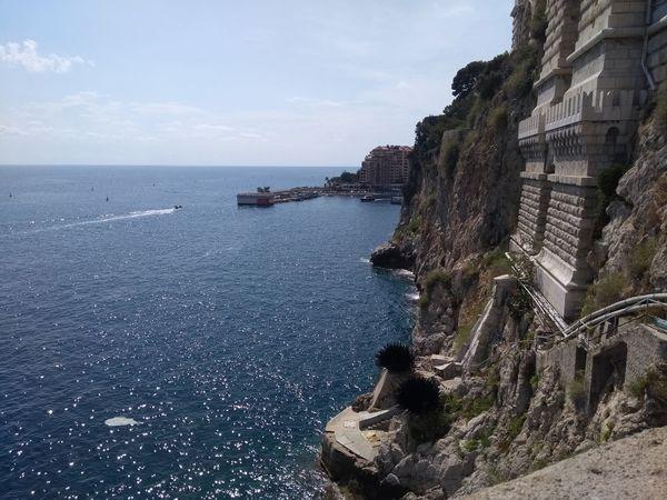 Mônaco Mar Penhasco Azul Paisagemnatural Oceano Monaco Monaco_Principaty Sea Beach Water Cliff Rock - Object Sky Architecture Horizon Over Water Historic EyeEmNewHere