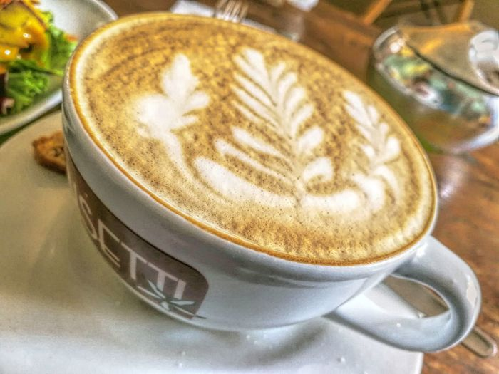 Coffee Cup Coffee - Drink Frothy Drink Cappuccino Food And Drink Drink Refreshment Table Close-up Freshness Indoors  No People Day High Angle View