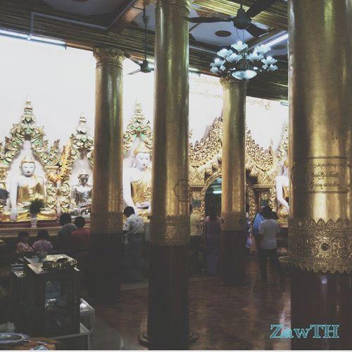 Shrine and Golden pillars Shrine Shwekyeemyin Gold Goldenland Pagoda Temple Buddhisttemple Buddhist Mandalay Myanmar Burma Burmeseart Exploremyanmar ASIA Goldenpillars Igersmyanmar Igersmandalay Vscomyanmar Burmeseigers Zawth GalaxyGrand2