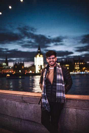 looking at my food walk towards me! Man River Thames River Riverside Big Ben Standing Looking At Camera Scarf Fashion Happy Bokeh Posing Suave Cool Attitude