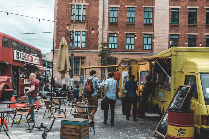 Nice place to grab a bite People Watching People Eating Taking Pictures Street Art/Graffiti People Of EyeEm Food Vendor Van Taking Photos Wall - Building Feature Recommended Eating Out Streetphotography Crowded Original Experiences People Photography Urban Travel Photography Food And Drink Street Food Worldwide Taking Photos Eating Good Fine Art Photography Canonphotography Hidden Gems